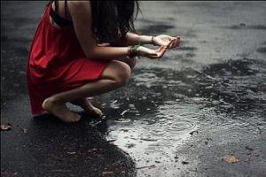 Personas lluvia 14